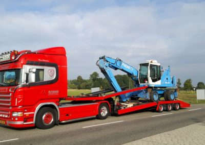 Fuchs kraan op transport