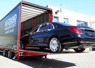 Maybach op transport naar airport